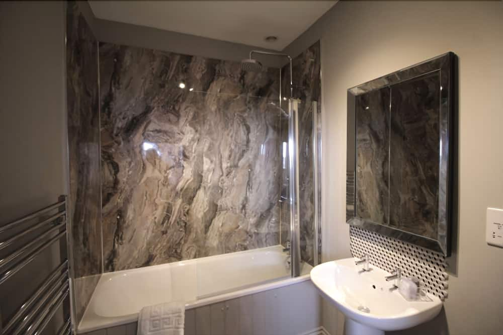 Double or Twin Room (The Hare) - Bathroom