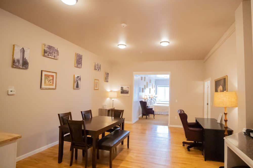 Suite, Mehrere Schlafzimmer - Wohnbereich
