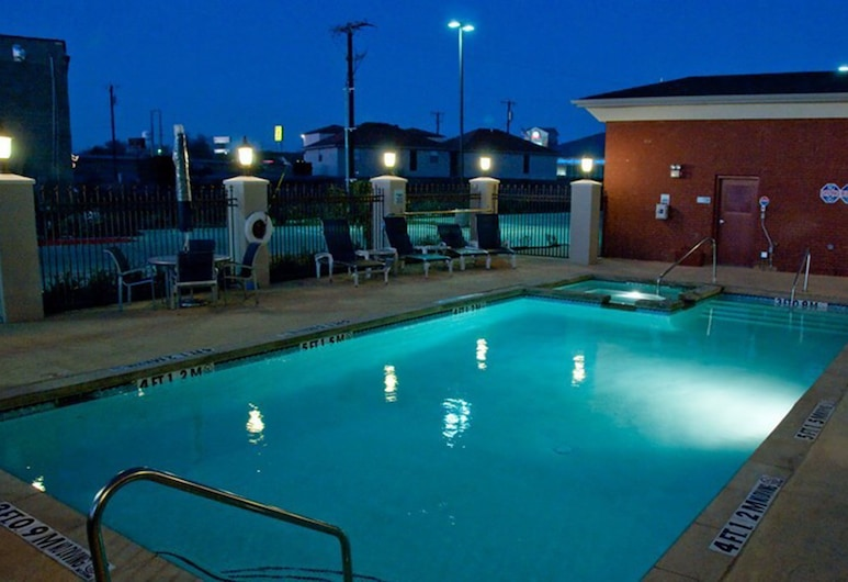 Holiday Inn Express Hotel & Suites Royse City, Royse City, Pool