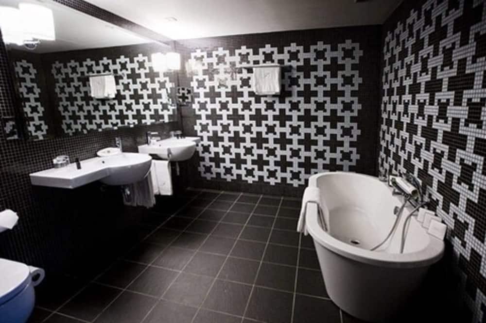 Superior-huone, 1 suuri parisänky - Kylpyhuone
