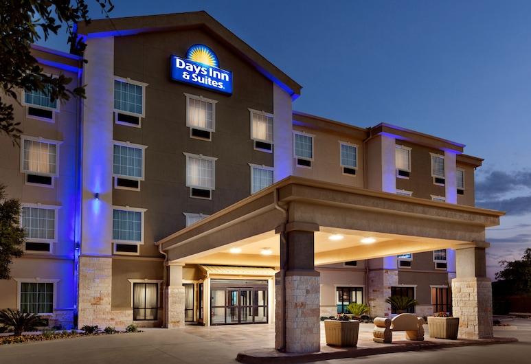 Days Inn & Suites by Wyndham San Antonio near AT&T Center, San Antonio, Innenhof