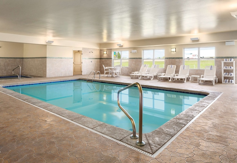 Country Inn & Suites by Radisson, Toledo South, OH, Rossford, Indoor Pool