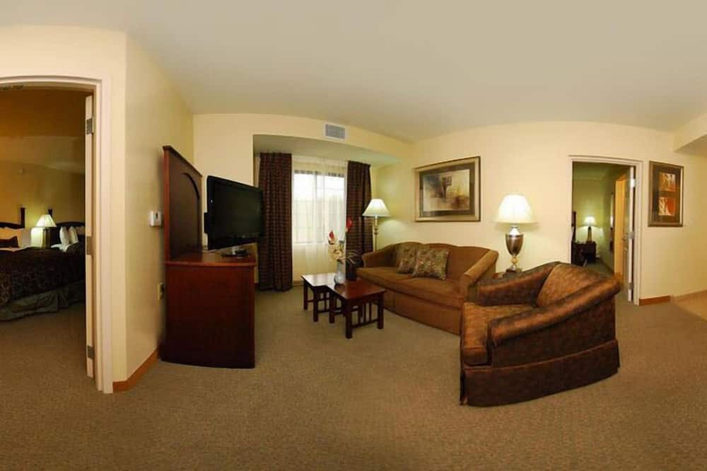 Suite, 2 Bedrooms, Non Smoking, Kitchen - Living Area