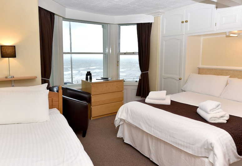 Marine View Guest House, Scarborough, Standard Double Room (Bay Window), Guest Room