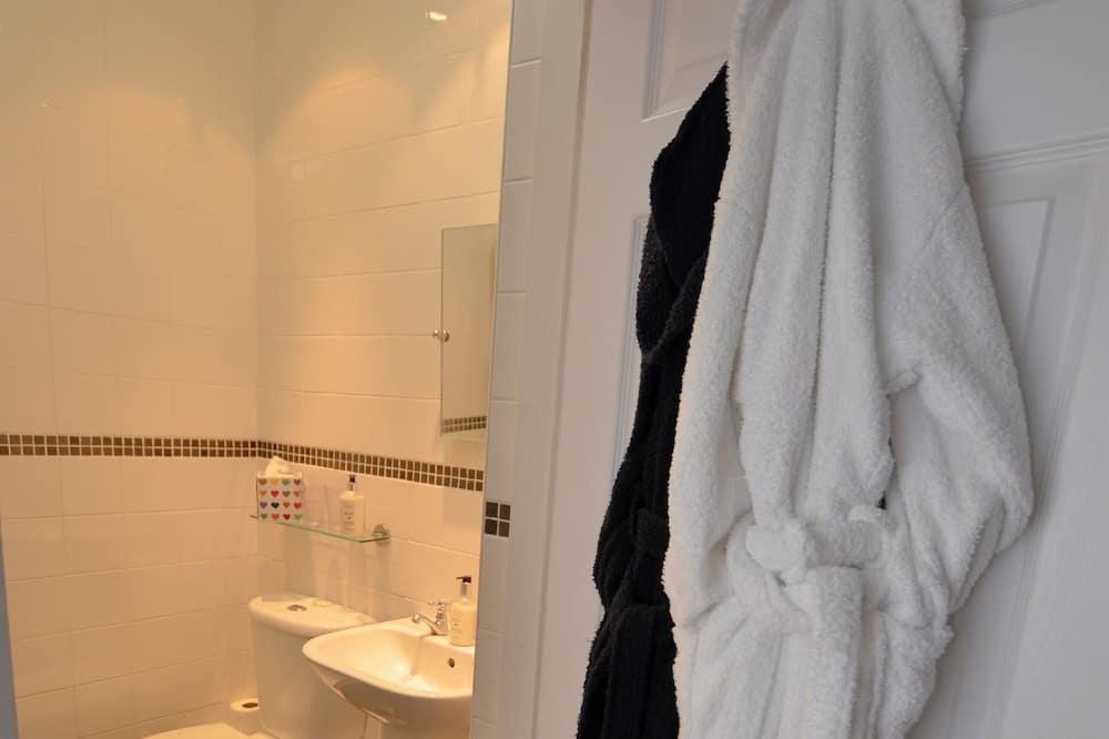 Szoba, 1 king (extra méretű) franciaágy, fürdőszobával, kilátással a tengerre (1st Floor) - Fürdőszoba