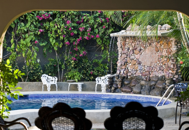 Hotel Mozonte, Managua, Porch