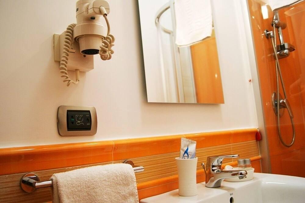 Chambre Standard avec lits jumeaux, 2 lits une place - Salle de bain