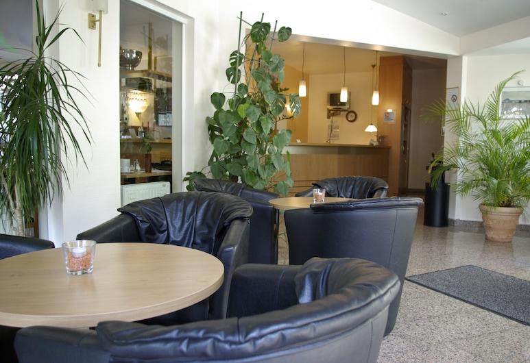 Airport BusinessHotel Köln, Colonia, Zona con asientos del vestíbulo