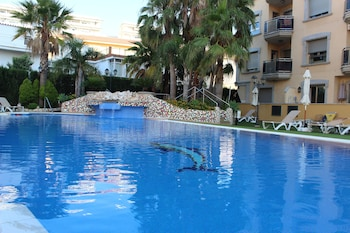 Enter your dates to get the Fuengirola hotel deal