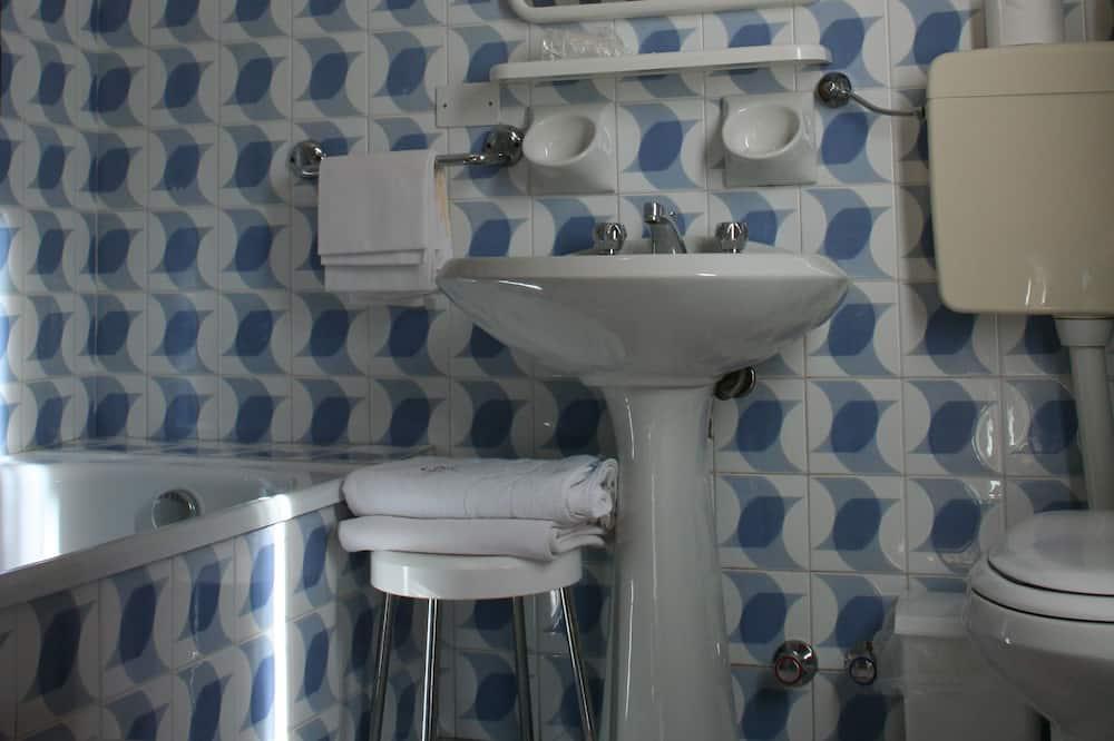 Tweepersoonskamer, 1 queensize bed - Badkamer