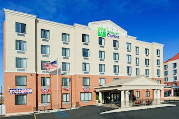15 Closest Hotels to Great Kills Park in Staten Island