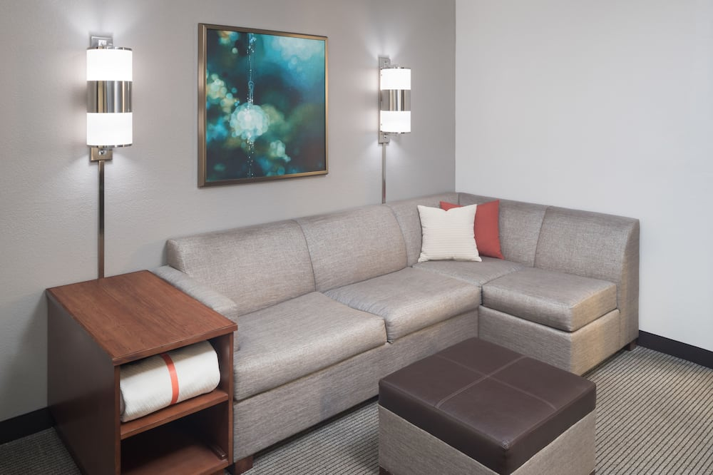 Room, 2 Queen Beds (& Sofabed) - Living Area