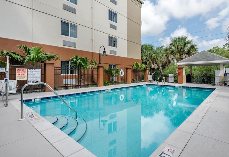 Candlewood Suites Fort Myers Sanibel Gateway, an IHG Hotel, פורט מיירס, בריכה