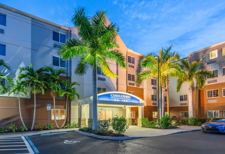 Candlewood Suites Fort Myers Sanibel Gateway, Fort Myers, Exterior