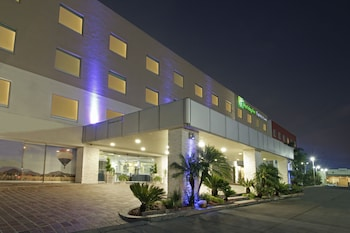 Picture of Holiday Inn Express & Suites Irapuato in Irapuato