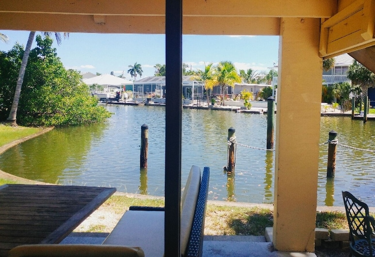 Flamingo Inn Bayside Suites, פורט מיירס ביץ', 2 Double Bed Efficiency, מרפסת/פטיו