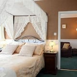 Suite (Four Poster) - Guest Room