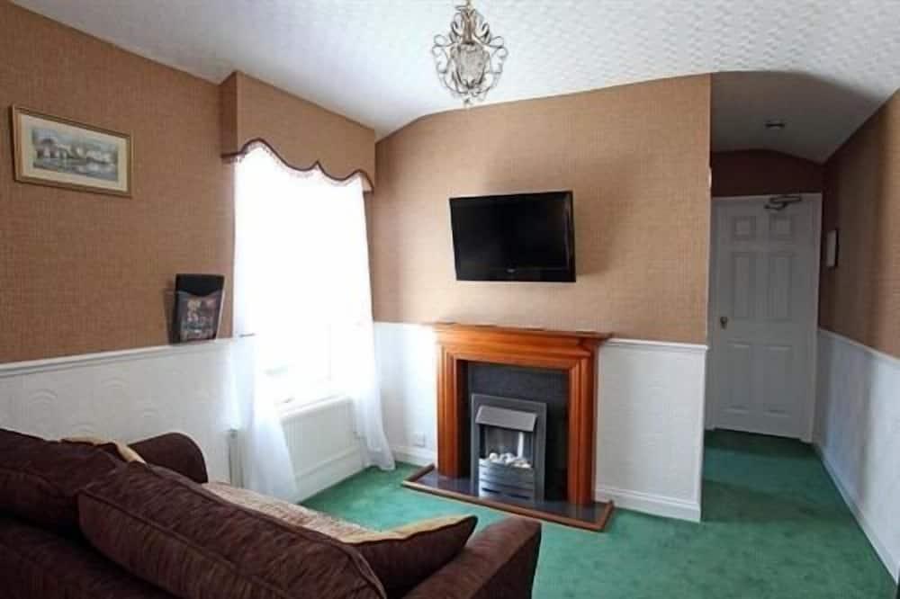 Junior Suite (1st Floor) - Living Area