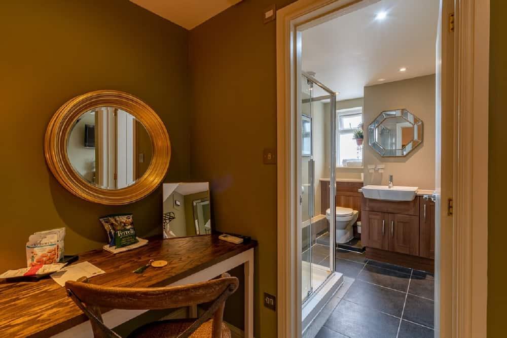 Luxury Double Room, Ensuite (No Children) - Bathroom