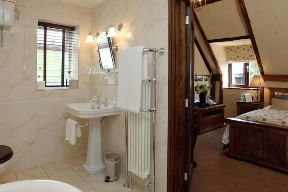 Superior szoba két külön ággyal, fürdőszobával - Fürdőszoba