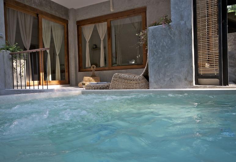 Proud Phu Fah, Mae Rim, Pool Near Stream for 2 persons, Vaizdas iš svečių kambario