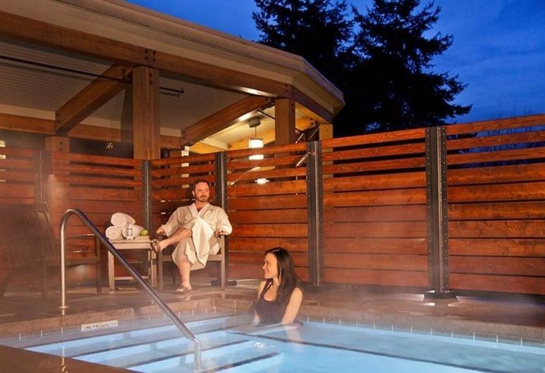 Cedarbrook Lodge, SeaTac, Tina de hidromasaje al aire libre