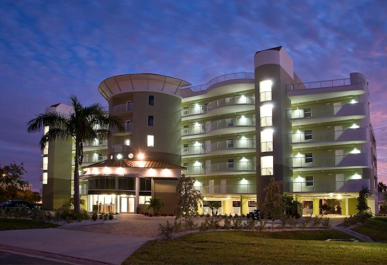 Crystal Palms Beach Resort, Treasure Island, Front of property - evening