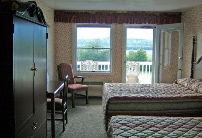 North Conway Mountain Inn, North Conway, Zimmer, 2Doppelbetten, Zimmer