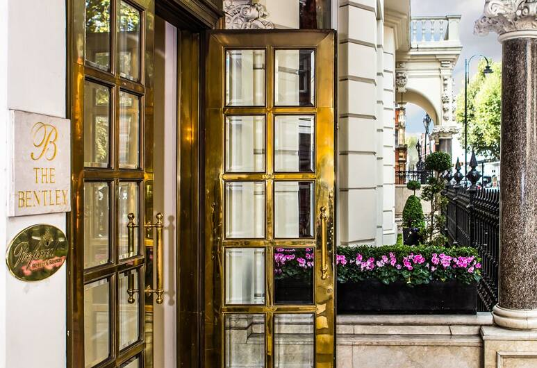 The Bentley London, London, Hotel Entrance