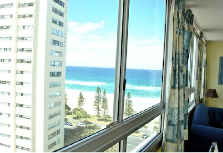 The Shore Apartments, Surfers Paradise, Standard 1 Bedroom Hinterland or Balcony, Ocean View (Wifi 500mbs/day & 1 Car Park), Καθιστικό