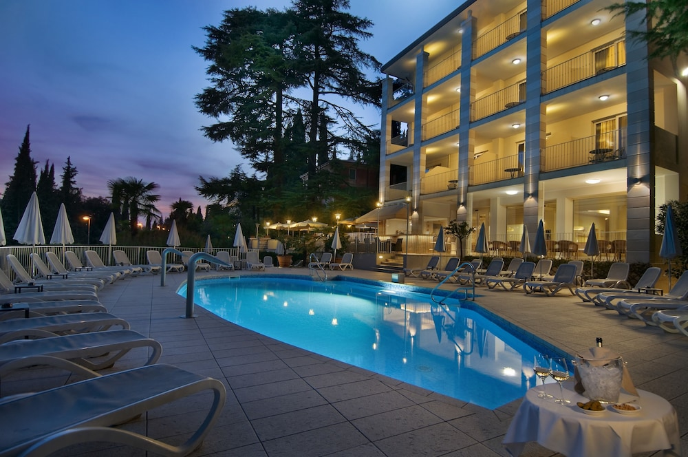 Hotel Excelsior Le Terrazze, Garda: Info, Photos, Reviews | Book at ...
