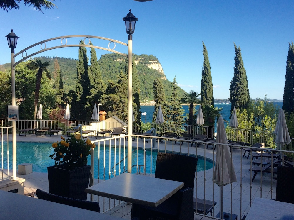Hotel Excelsior Le Terrazze in Garda - Book on Hotels.com