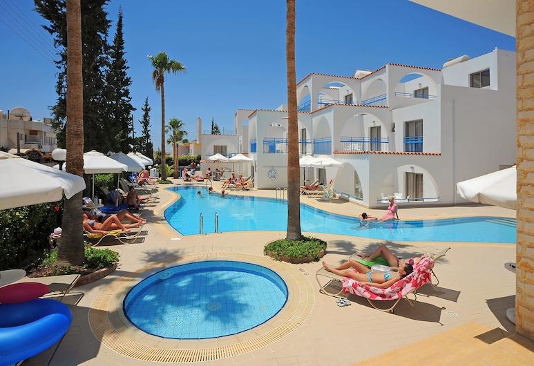 佩特羅薩那酒店公寓, 阿依納巴, 室外泳池