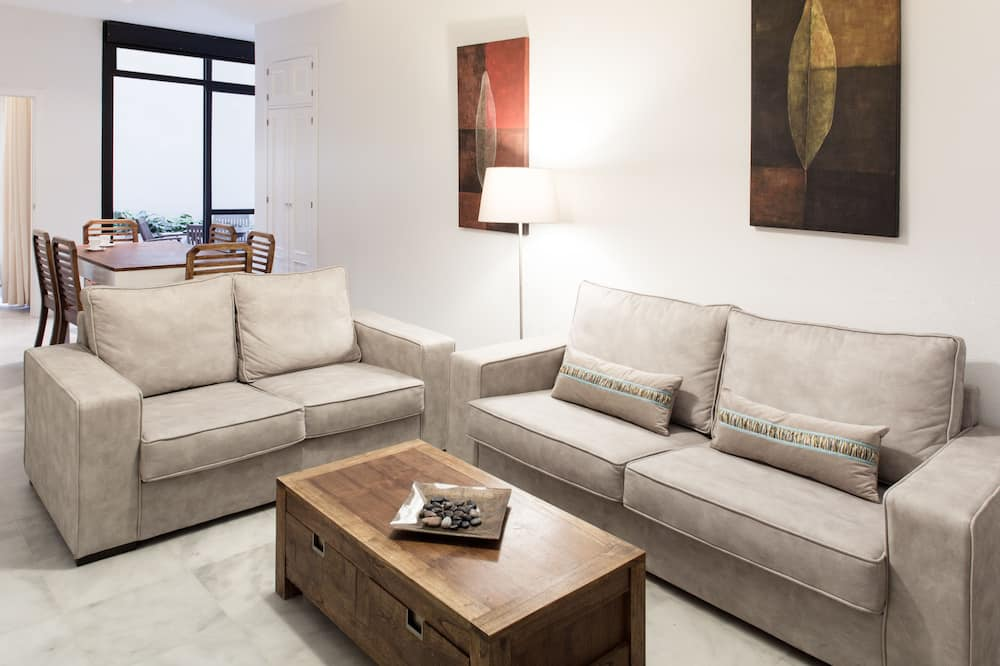 Apartment, 2 Bedrooms (max 6 people) - Living Room
