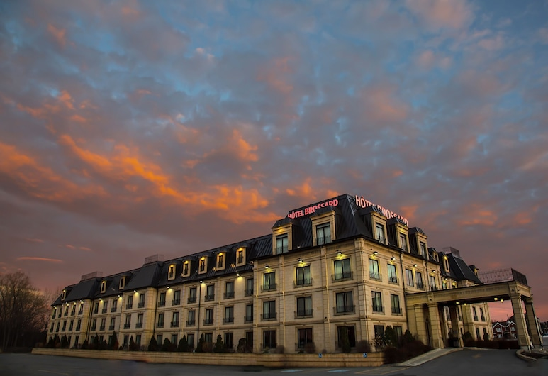 Hôtel Brossard, Brossard