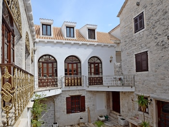 Picture of Palace Derossi in Trogir