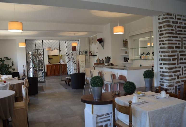 오텔 애글롱 바일리티스, Porto-Vecchio, 호텔 라운지