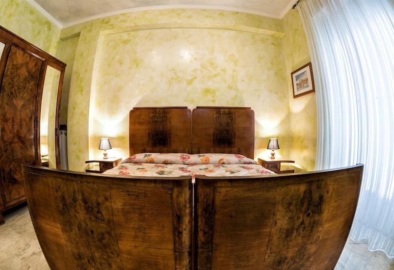 Giornate Romane, Roma, Triple Room with Shared Bathroom, Camera