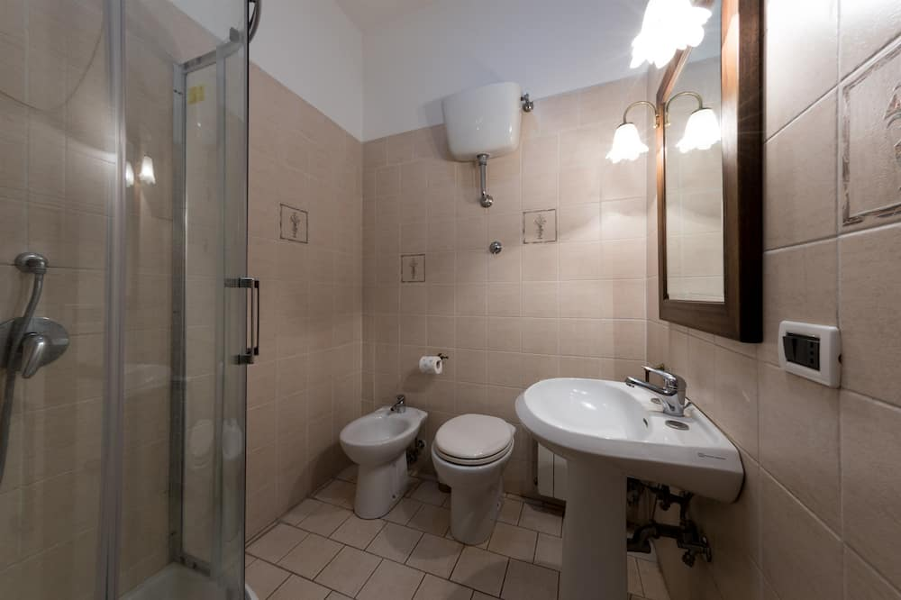 Double Room with Private Bathroom - Μπάνιο