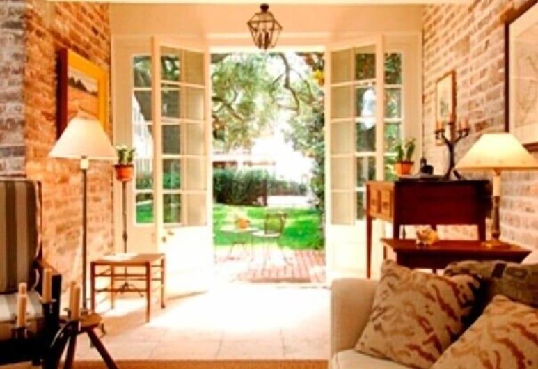 21 East Battery Bed & Breakfast, Charleston, Deluxe-huvila, 1 makuuhuone, Näköala satamaan, Oleskelualue