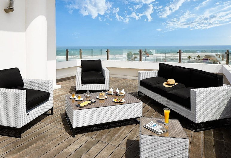 Villa Blanca Urban Hotel, Casablanca, Svit - 1 queensize-säng, Terrass