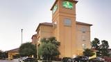 Choose This Cheap Hotel in San Antonio