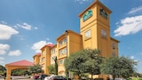Choose This 2 Star Hotel In San Antonio