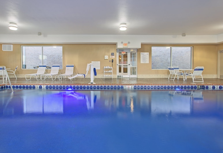 Holiday Inn Express & Suites Somerset Central, Somerset, Pool
