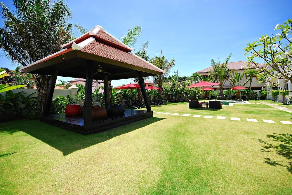 Palm Grove Resort, Sattahip