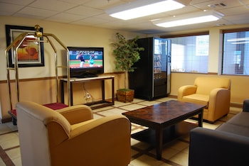 Picture of Super 8 by Wyndham Oklahoma City in Oklahoma City