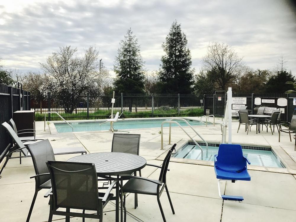 ... Fairfield Inn U0026 Suites By Marriott Fresno Clovis, Clovis, ...