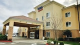 Choose This Business Hotel in Clovis -  - Online Room Reservations