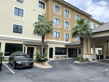 Picture of Comfort Inn And Suites in Fort Walton Beach