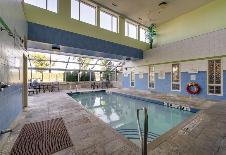 Monte Carlo Inn Barrie Suites, Barrie, Piscina cubierta